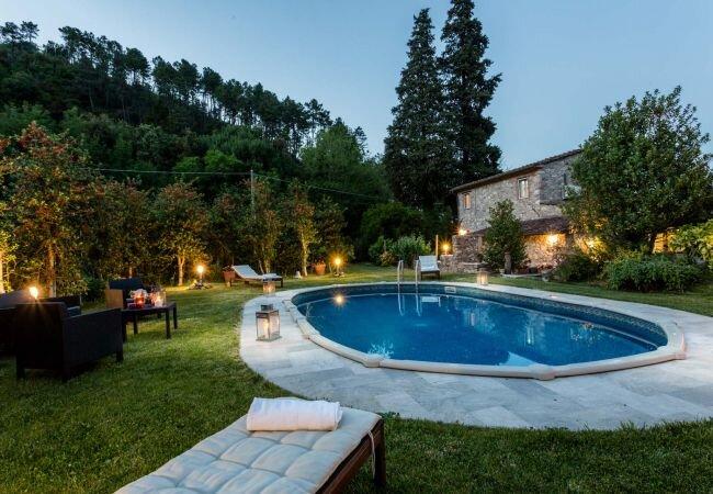 Pieve di Compito Villa Sleeps 6 with Pool Air Con and WiFi - 5840842, location de vacances à Sant'Andrea di Compito