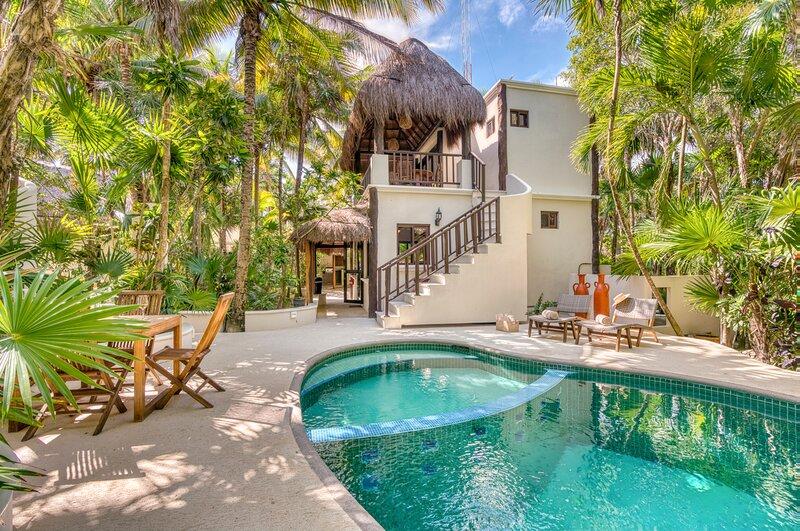 Tankah Cuatro Villa Sleeps 14 with Pool and Air Con - 5870064, alquiler de vacaciones en Bahía de Soliman