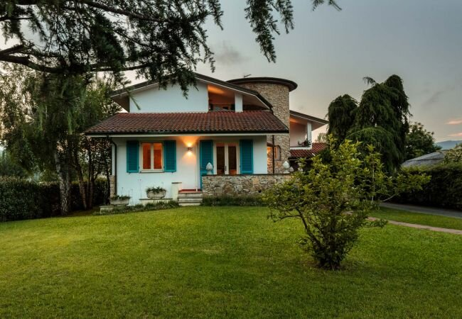 Corte Pardi Villa Sleeps 10 with Pool Air Con and WiFi - 5870134, holiday rental in Maggiano