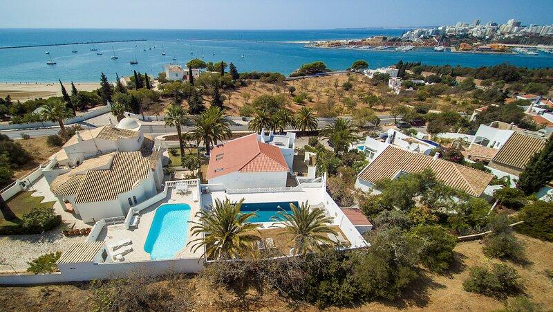 Vale da Canada Villa Sleeps 10 with Pool and Air Con - 5872631, alquiler de vacaciones en Ferragudo
