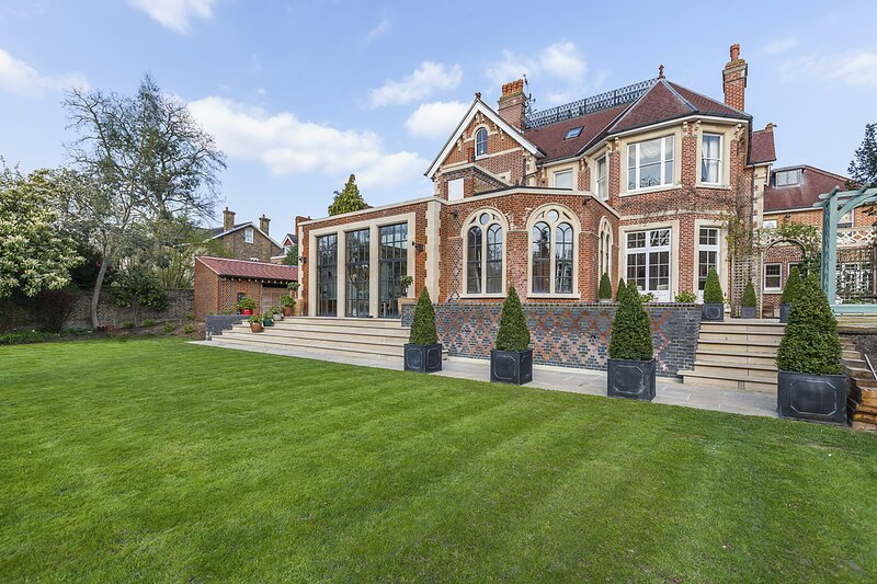 Eltham Chateau Sleeps 24 - 5872175, holiday rental in Bromley