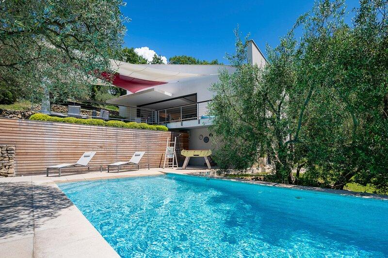 Plascassier Villa Sleeps 4 with Pool and Air Con - 5872176, alquiler vacacional en Valbonne