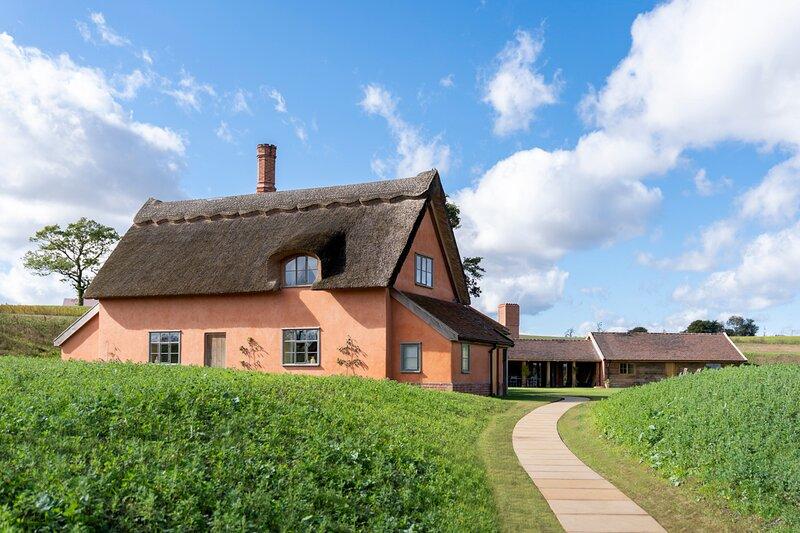 Huntingfield Villa Sleeps 12 with Pool - 5872725, vacation rental in Badingham