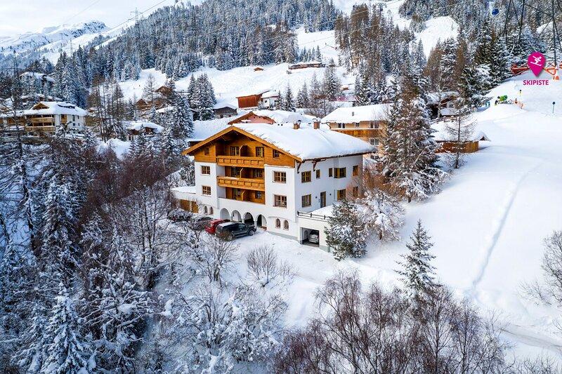 Saint Anton Chalet Sleeps 12 - 5873335, alquiler vacacional en St. Anton am Arlberg