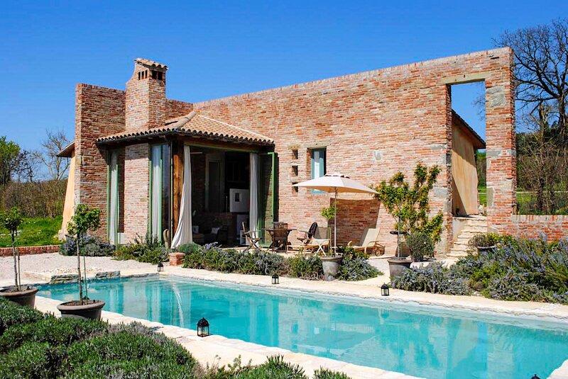 Fontelunga Villa Sleeps 6 with Pool and Air Con - 5873655, alquiler vacacional en Pozzo della Chiana