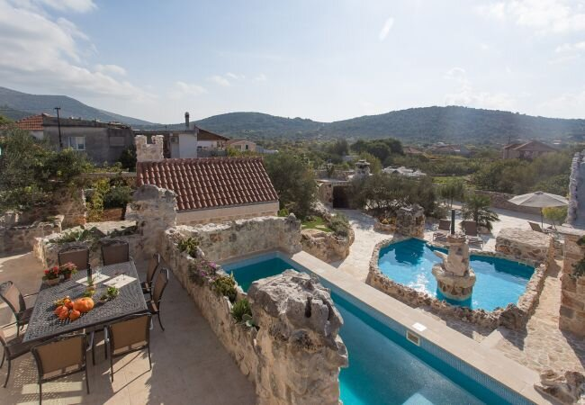 Vrsine Holiday Home Sleeps 10 with Pool Air Con and WiFi - 5873780, vacation rental in Vrsine