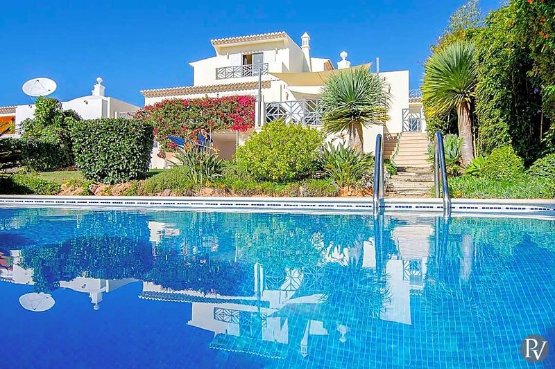 Valados Villa Sleeps 8 with Pool Air Con and WiFi - 5874620, location de vacances à Alfarrobeira