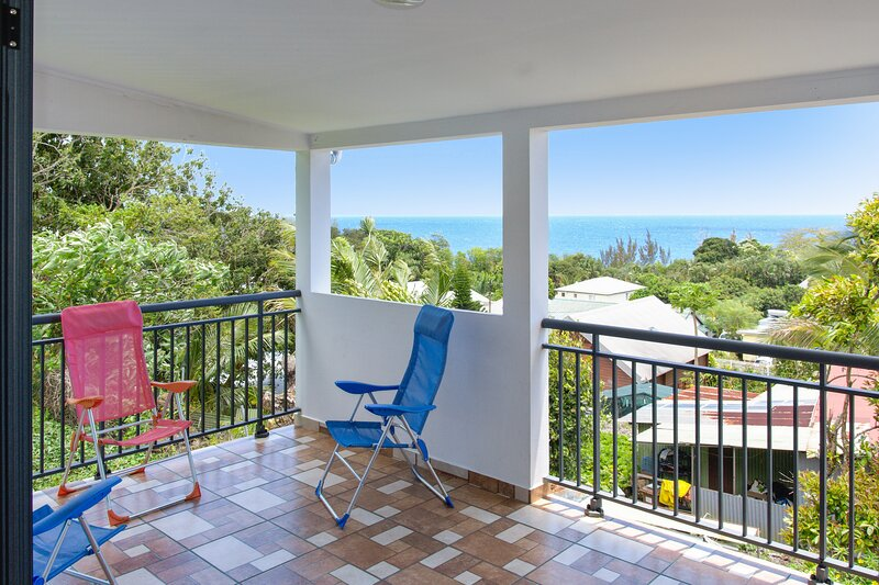 Beautiful house with sea view, vacation rental in Sainte-Anne