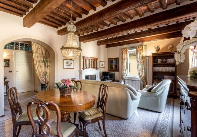 Lucca Apartment Sleeps 4 with Air Con and WiFi - 5840802, holiday rental in San Pietro in Campo
