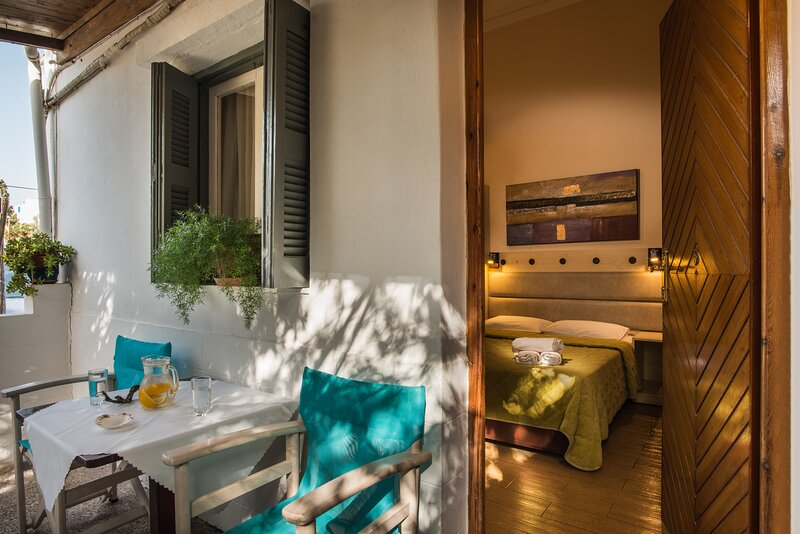 Semiramis Guesthouse ( Single room 2 ), casa vacanza a Milos