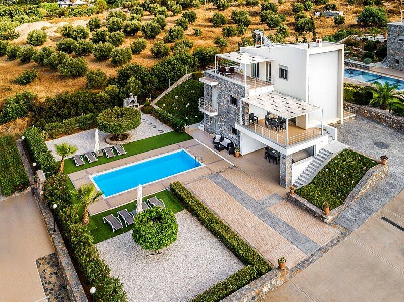 Mint Villa - Brand New Luxury Villa Private Pool, alquiler vacacional en Chersonisos