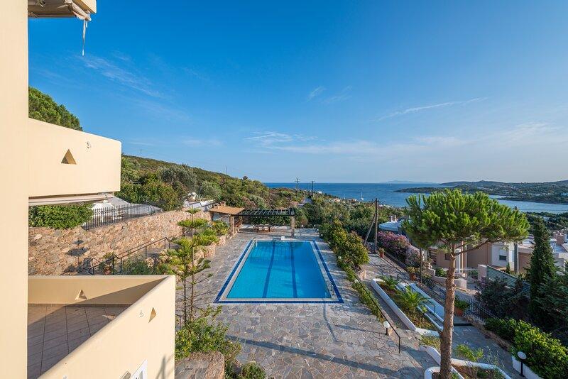 Villa Adamite (4 Bedrooms), vacation rental in Lavrio