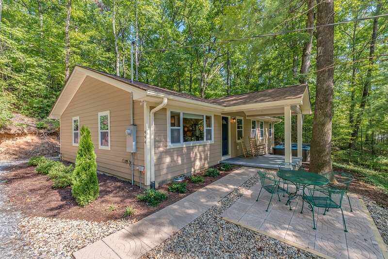 Knobby Creek Cottage, vacation rental in Lynn