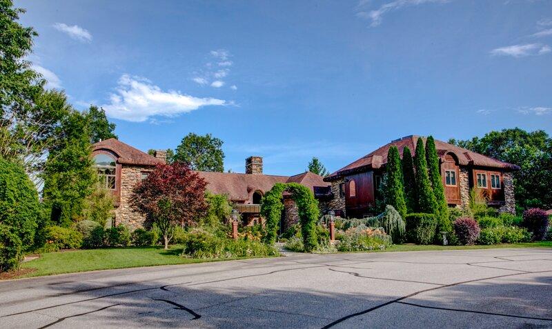 Laurelgate exterior view 2