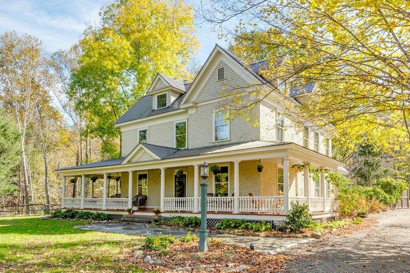 Spring Creek Farmhouse, casa vacanza a Hot Springs