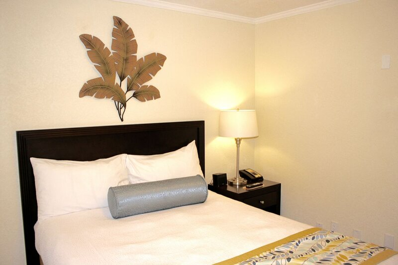 Bedroom with a comfy queen size bed for the most pleasant nights!