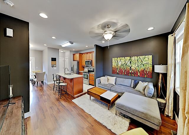 New Listing! Trendy New-Build Home w/ Private Balcony -- Near Downtown, holiday rental in Woodfin