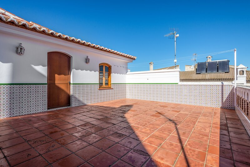 Amazing house with terrace & Wifi, vacation rental in Gobantes