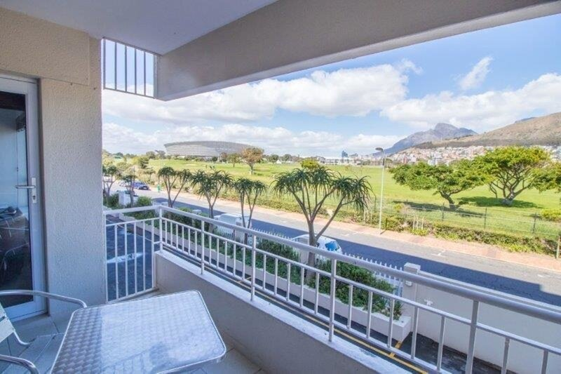 Mouille Point 2 Bedroom, holiday rental in Green Point