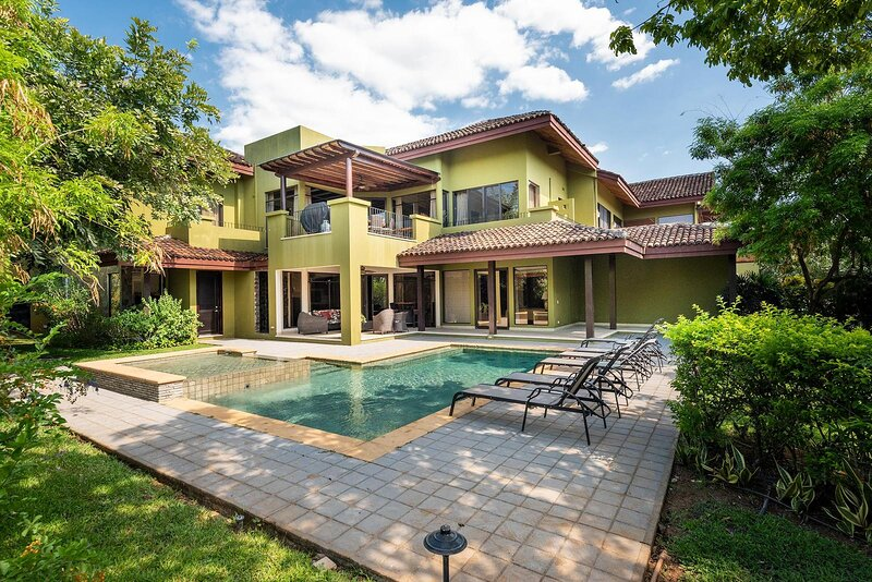 Luxurious Villa in the exclusive Reserva Conchal, holiday rental in Huacas