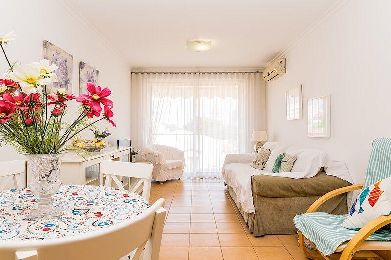 Belle Apartment, Monte Gordo, Algarve !New! – semesterbostad i Monte Gordo