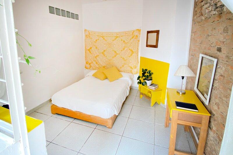 Double private quiet room Chapultepec La Americana, vacation rental in Guadalajara