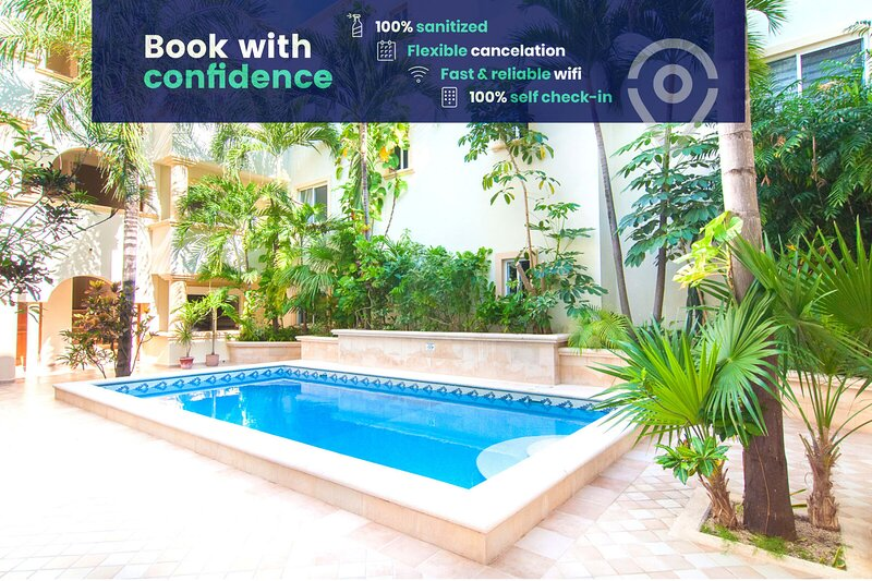 Lovely community with outdoor pool in the heart of downtown Playa