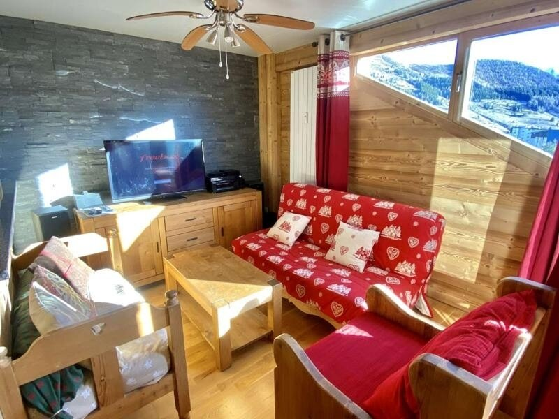 Appartement Coup de coeur en Plein Centre de station avec cave privative, holiday rental in Vénosc