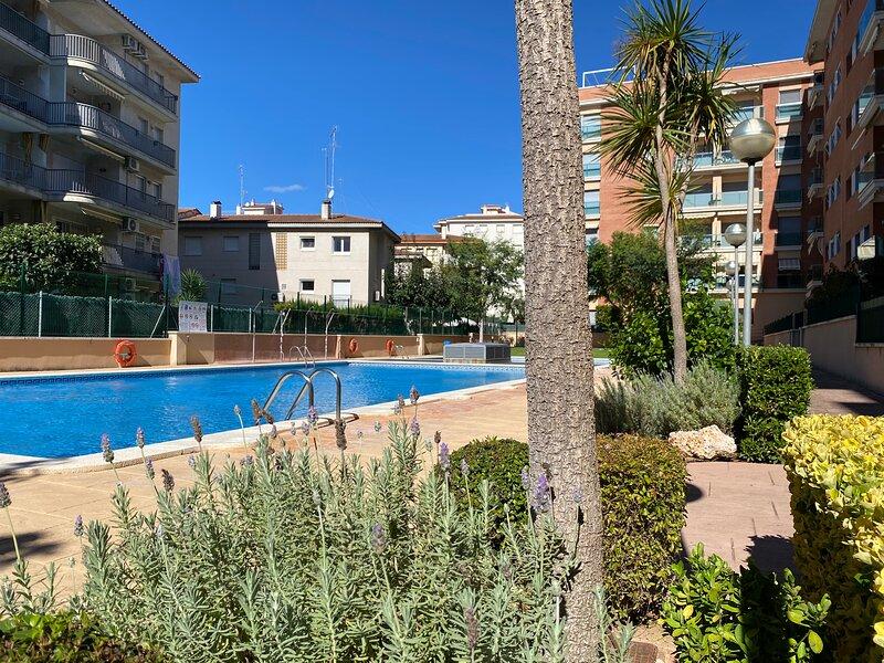 Bajos Con Terraza Privada Y Zona Comunitaria, aluguéis de temporada em Calafell