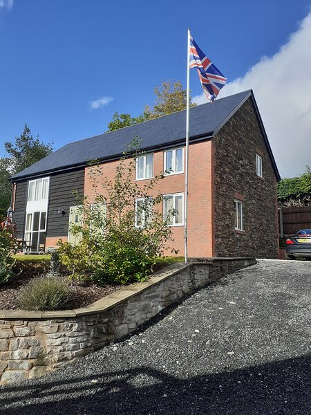Bear Barns Rhayader Mid Wales Powys Luxury Self Catering 2 Bed Elan Valley Wales, casa vacanza a Llanwrthwl