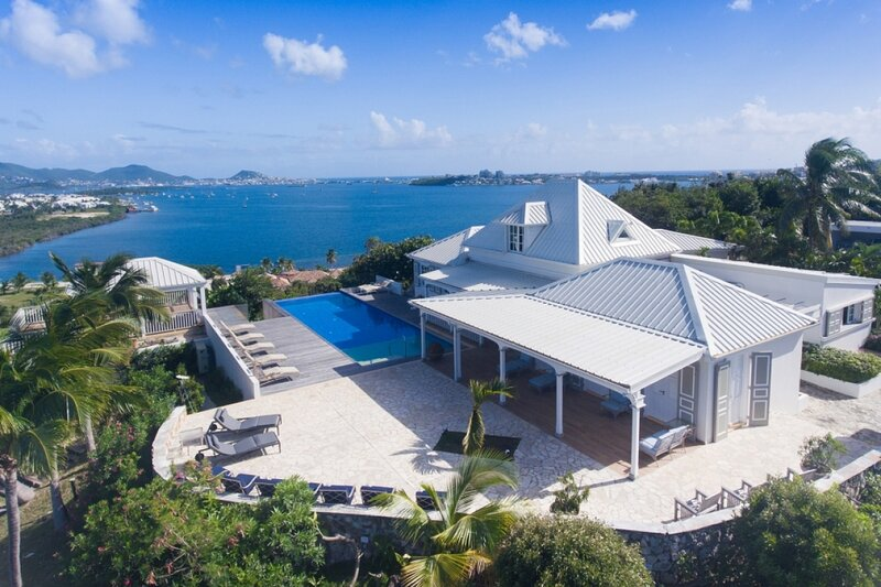 Villa Le Caprice | Beach Front - Located in Exquisite Baie Rouge with Private P, holiday rental in Baie Nettle