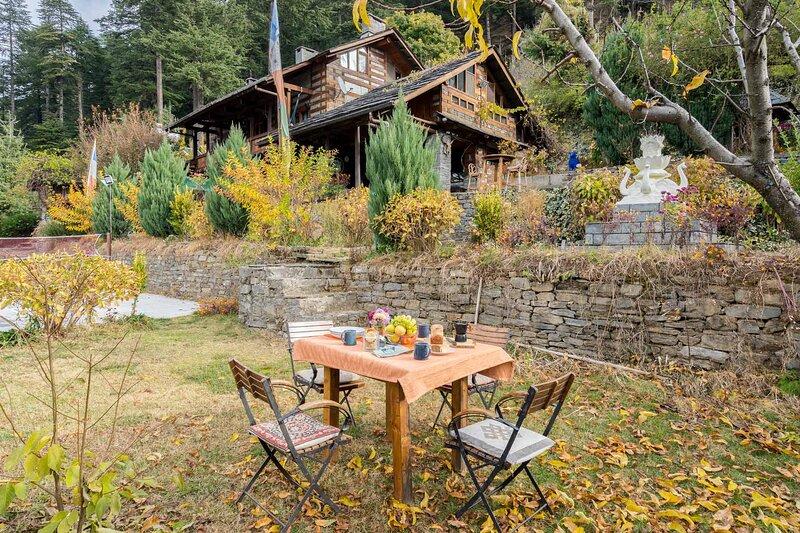 Casa Luca by Vista Rooms, holiday rental in Bhuntar