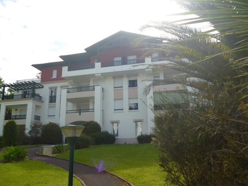 CAMBO LES BAINS, C352 : 3 Pièces 4 couchages, vacation rental in Itxassou