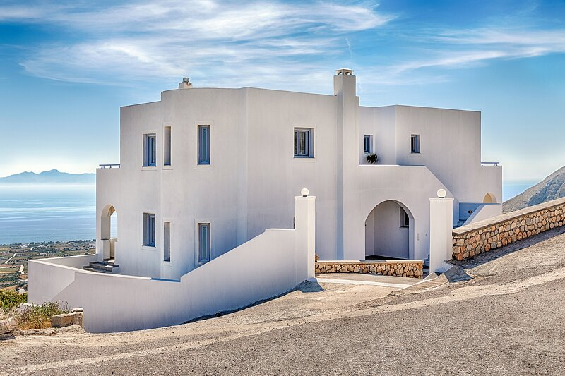 Dreamstate Cycladic Apartment, holiday rental in Exo Gonia