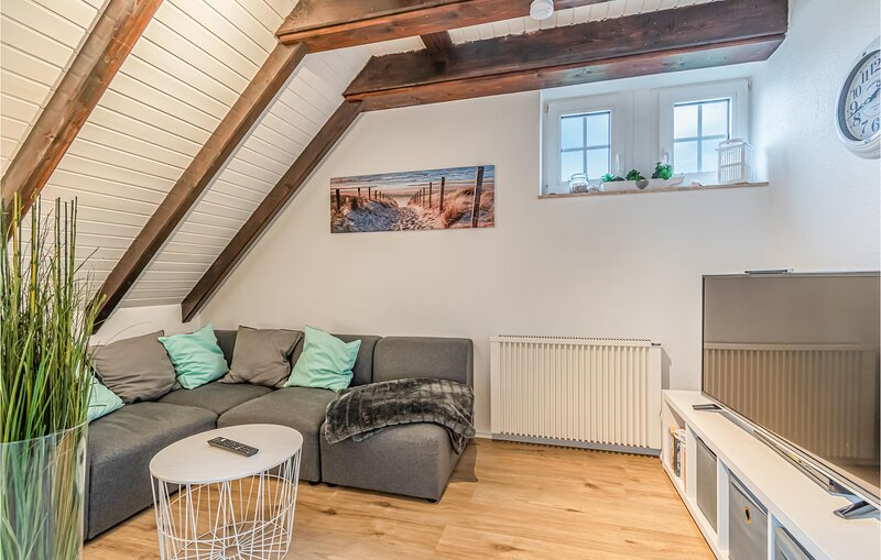 Awesome apartment in Friedrichskoog with WiFi and 2 Bedrooms (DSH821), holiday rental in Friedrichskoog