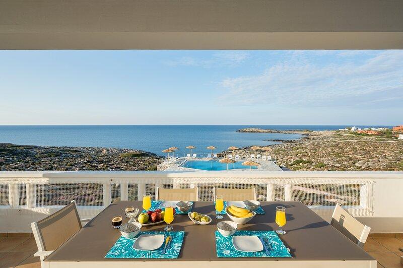 Kiani Seafront House - Eco Pool & Ocean View!, alquiler vacacional en Stavros