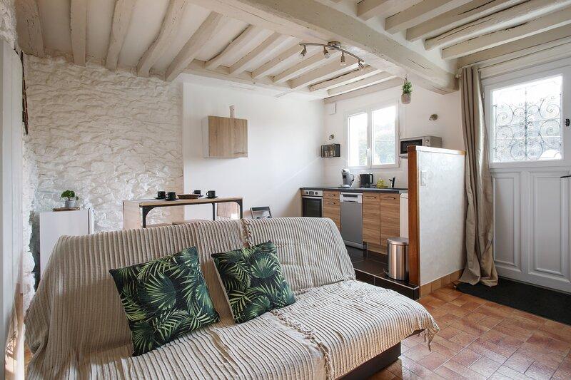 Amazing house in Pierrefonds & Wifi – semesterbostad i Soissons