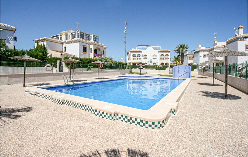 Nice apartment in Torrevieja with Outdoor swimming pool, WiFi and 2 Bedrooms (EB, holiday rental in La Mata
