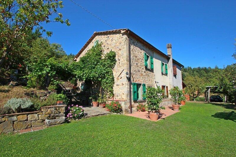 Lanciole Villa Sleeps 5 with Pool and WiFi - 5586321, vacation rental in Castelvecchio