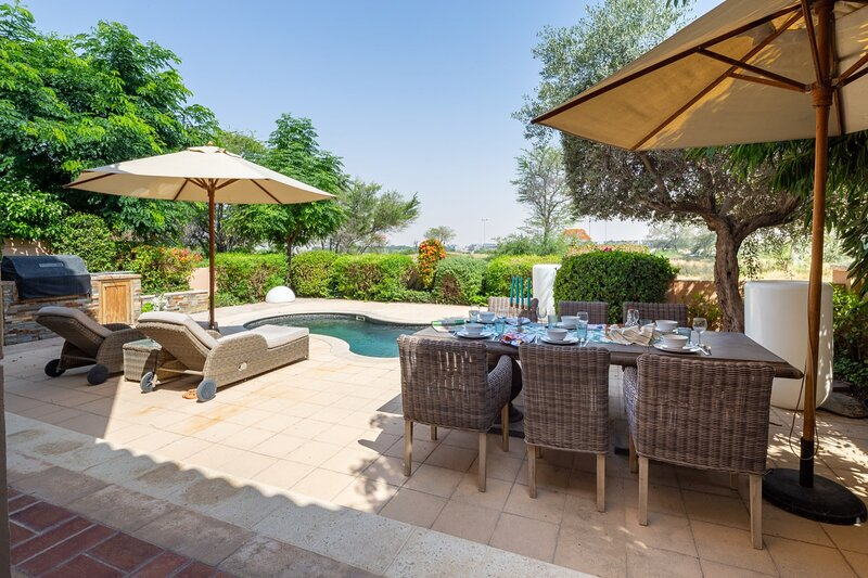 Magnificent 3BR Villa with Maid's Room in Whispering Pines with Private Pool!, holiday rental in Jebel Ali