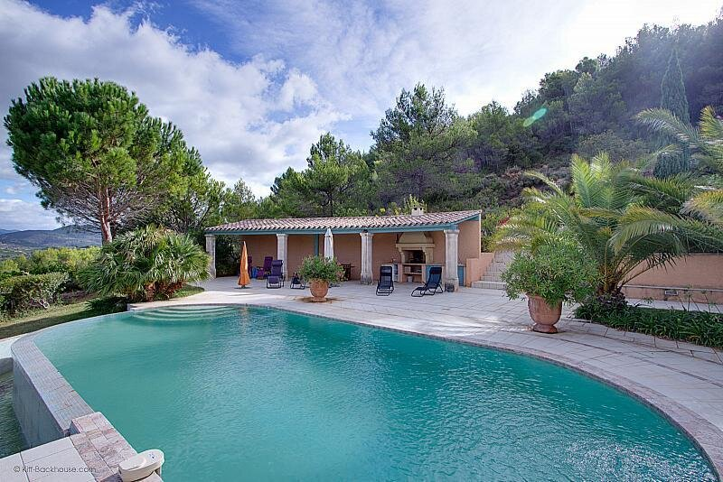 Cessenon-sur-Orb Villa Sleeps 6 with Pool Air Con and WiFi - 5875321, holiday rental in Cessenon-sur-Orb