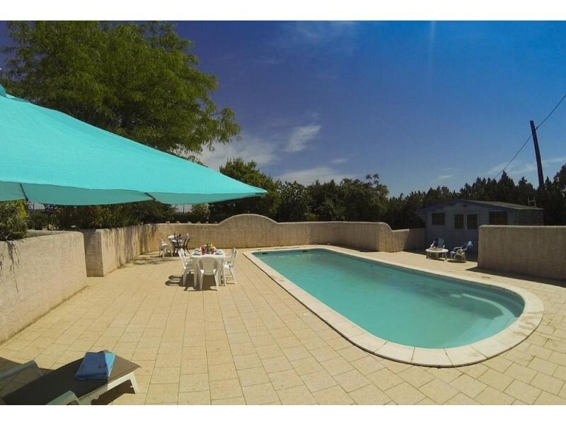 Maraussan Holiday Home Sleeps 6 with Pool Air Con and WiFi - 5875342, holiday rental in Maraussan