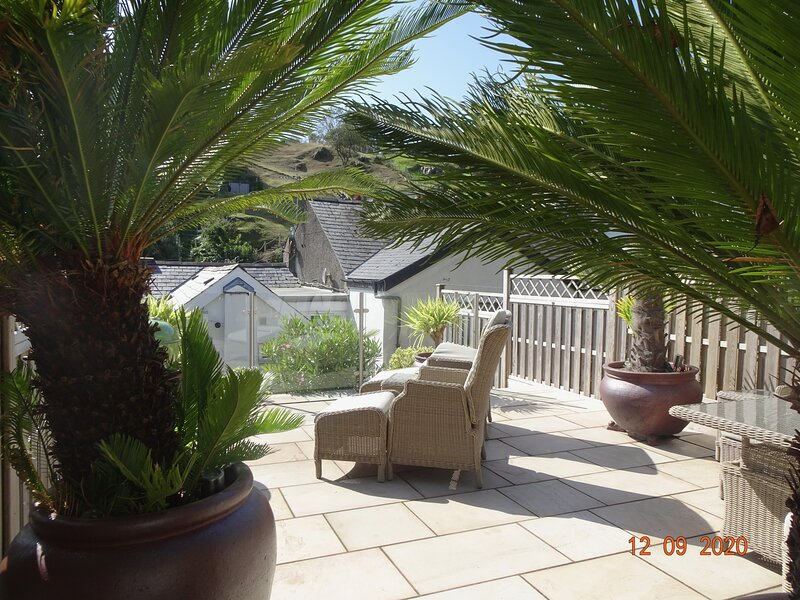 Tegfrin Cottage with garden, very close to beach/resort centre, 3 beds, holiday rental in Aberdovey
