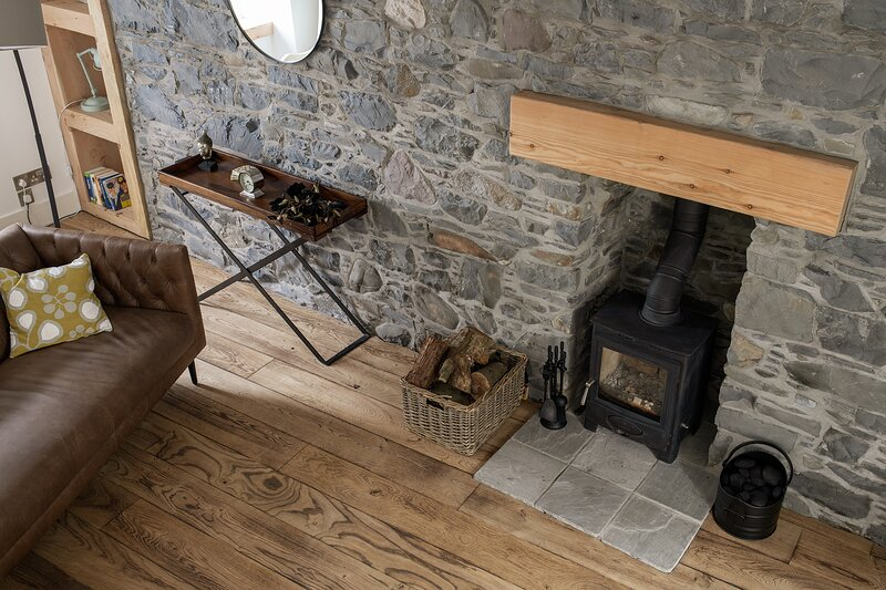 Portside, A Stunning Cottage in Heart of Portpatrick, location de vacances à Ardwell