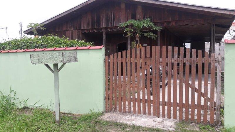 Aluga-se  Casa litoral do Paraná., location de vacances à Pontal do Sul