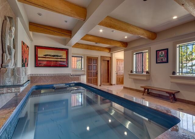 Zephyr Cove Tahoe Tranquility, 6 bedroom family home indoor hot tub (ZC695) – semesterbostad i Zephyr Cove