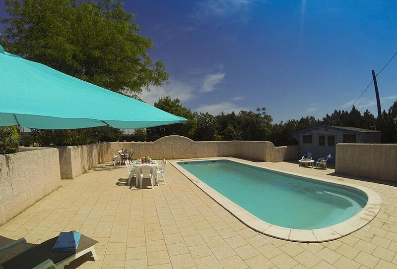 Maraussan Apartment Sleeps 4 with Pool Air Con and WiFi - 5875326, holiday rental in Maraussan