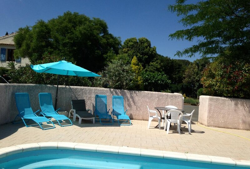 Maraussan Apartment Sleeps 2 with Pool Air Con and WiFi - 5875327, holiday rental in Maraussan