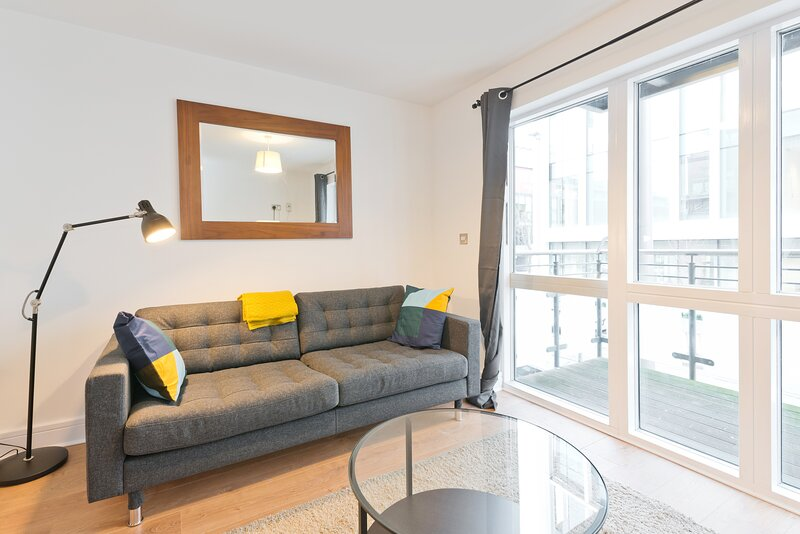 Luxury Docklands 1 bed, vacation rental in Howth