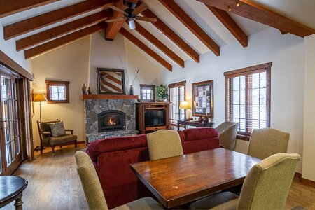 Vista Grande | Tamarack Idaho | Sleeps 6, holiday rental in Council